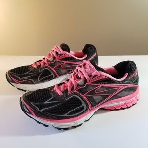 Brooks Ravenna 5 Black and Pink